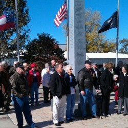A crowd gathers to participate in the Veteran's memorial service. (Blake Dodd/wgaaradio.com)