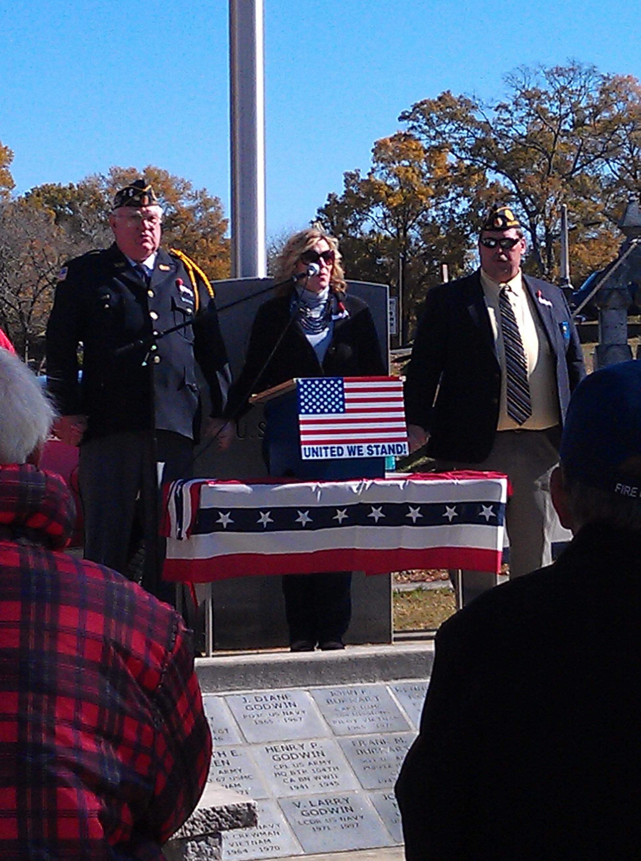 Veterans Memorial (Singer Pic)