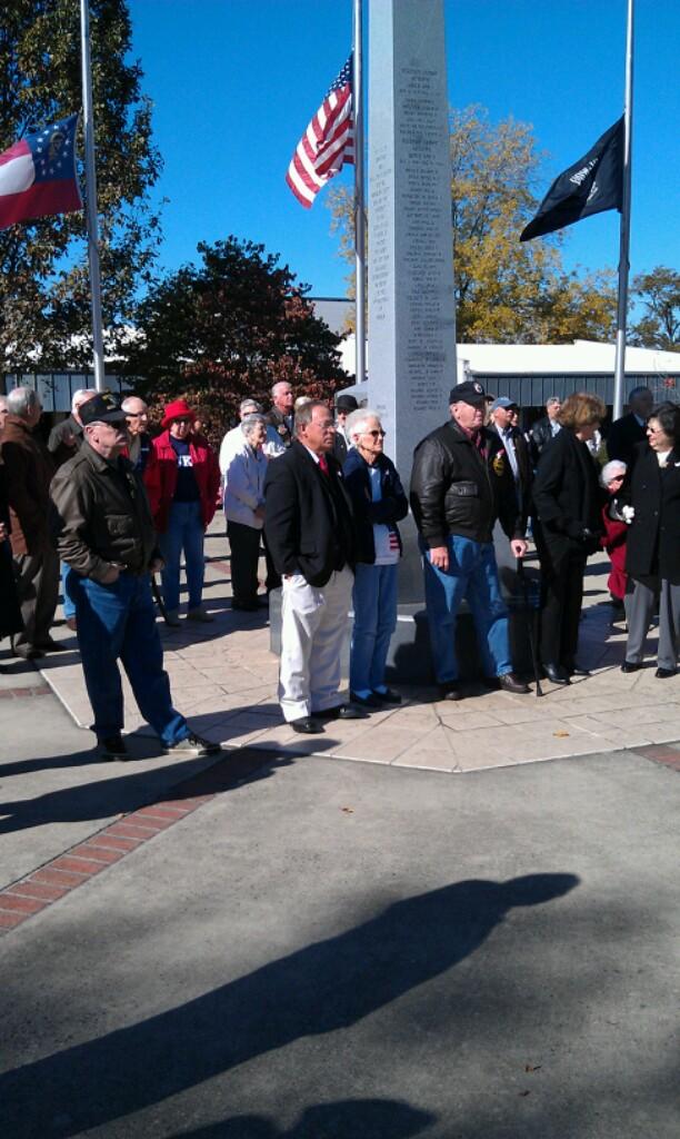 Veterans Memorial (Crowd Pic)