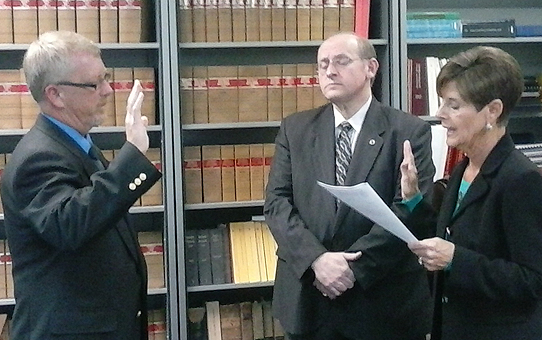 Robinson and Brazier oath of office